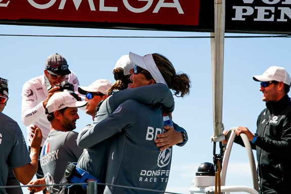 Dongfeng wint havenrace