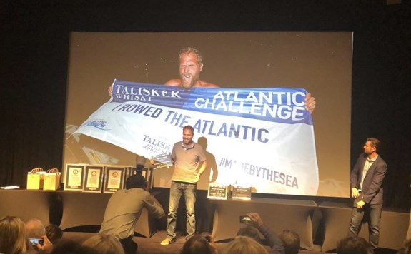 Mark Slats Guiness Book of Records Award Verbeken Oceaanroeien solo met 5 dagen