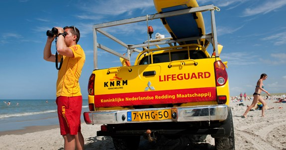 KNRM-Lifeguards-Olaf-Kraak-1140x600